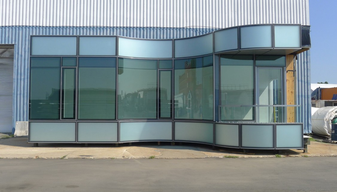 Hot bent glass building mock-up
