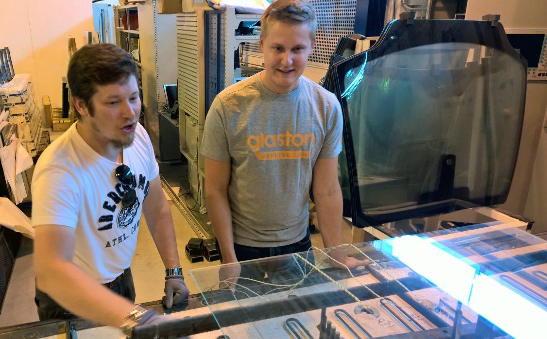 Glaston windshield bending technology